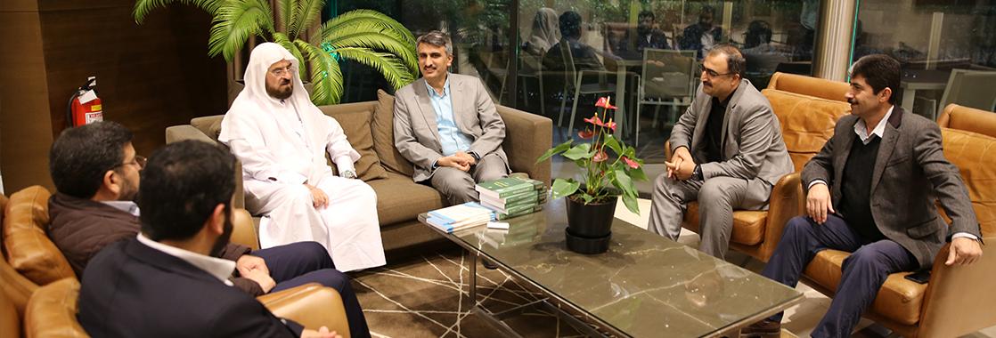 Vakfımızdan Prof. Dr. Yusuf el-Karadavi ile Prof. Dr. Ali Muhyiddin Karadaği'ye Ziyaret